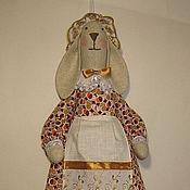 Куклы и игрушки ручной работы. Ярмарка Мастеров - ручная работа Зайка -пакетница. Handmade.