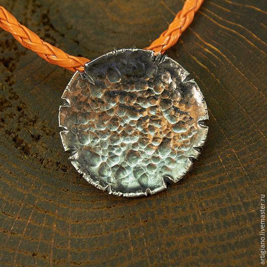 Кулоны, подвески ручной работы. Ярмарка Мастеров - ручная работа. Купить Кованый кулон из серебра. Handmade. Темно-серый