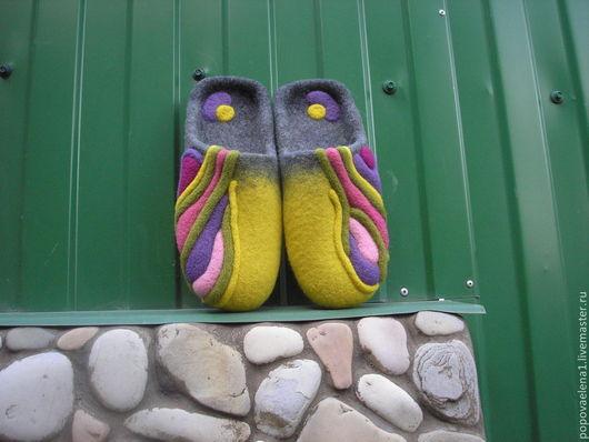 """Обувь ручной работы. Ярмарка Мастеров - ручная работа. Купить Валяные тапочки """"Цветные сны"""". Handmade. Разноцветный, валяные тапочки"""