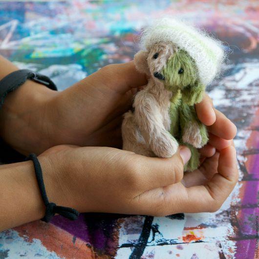 """Мишки Тедди ручной работы. Ярмарка Мастеров - ручная работа. Купить Тедди мишка """"Потерялся"""". Handmade. Зеленый, вискоза"""