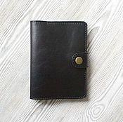 """Черная кожаная обложка для паспорта, на застежке, """"Антик"""""""