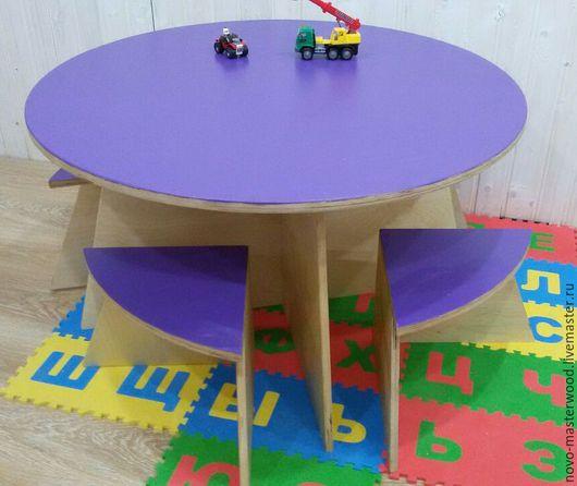 стол и 4 стульчика