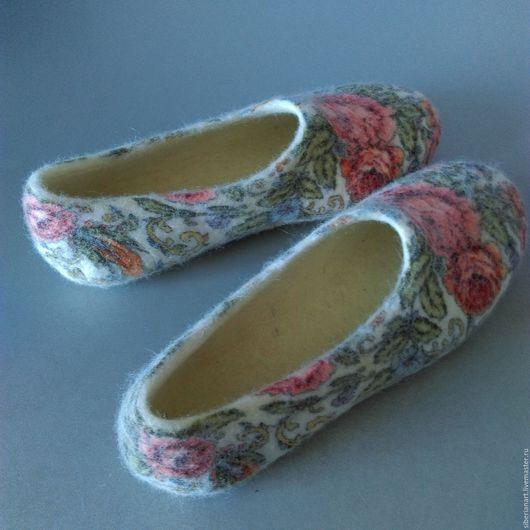 """Обувь ручной работы. Ярмарка Мастеров - ручная работа. Купить Тапочки валяные """"Кумушка"""". Handmade. Серый, валяные тапочки"""
