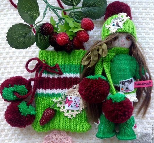 """Человечки ручной работы. Ярмарка Мастеров - ручная работа. Купить """"Вишенка"""" кукла в сумочке. Handmade. Зеленый, игрушка, тильда, ленты"""
