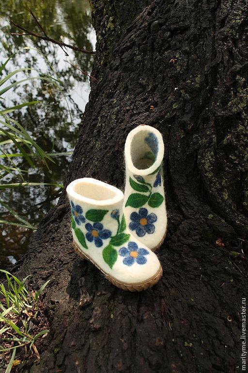 """Детская обувь ручной работы. Ярмарка Мастеров - ручная работа. Купить Валеночки """"Цветочные"""". Handmade. Белый, валенки с рисунком"""
