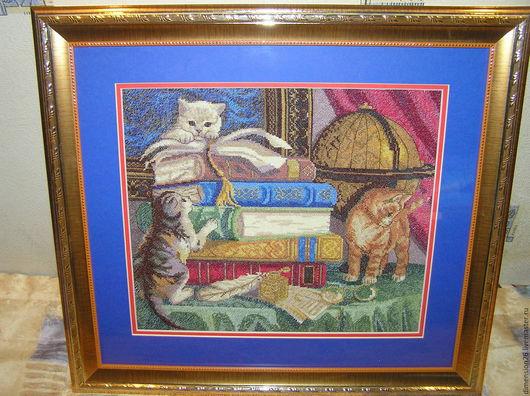 `Посмотрите на милых котят,  Что на этой картине сидят:  Томас, Мурзик и Лушка  К Вам на стену, ну очень хотят`)))