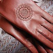 Аксессуары ручной работы. Ярмарка Мастеров - ручная работа Перчатки с ручной вышивкой-орнамент. Handmade.