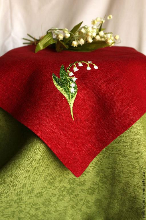 """Подарки на Пасху ручной работы. Ярмарка Мастеров - ручная работа. Купить Салфетка льняная """"Первый ландыш - на красном"""". Handmade."""