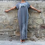 Темносерое длинное макси платье кафтан с ручной росписью ручная работа