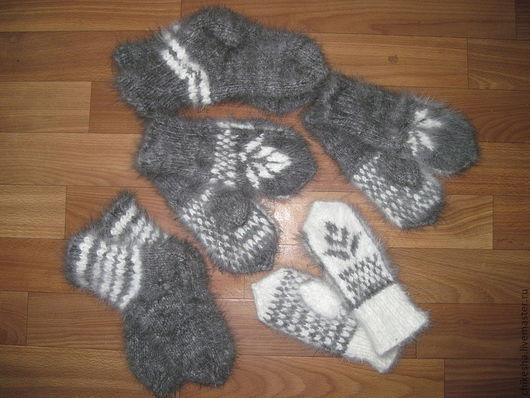 Варежки, митенки, перчатки ручной работы. Ярмарка Мастеров - ручная работа. Купить Детские пуховые варежки и носки. Handmade. Серый