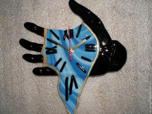 """Часы для дома ручной работы. Ярмарка Мастеров - ручная работа. Купить Часы настенные  """"Часы Дали""""(фьюзинг). Handmade. Черный"""