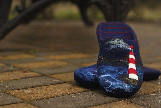 """Обувь ручной работы. Ярмарка Мастеров - ручная работа. Купить Тапочки мужские""""Ночь.Море.Маяк."""" валяные. Handmade."""