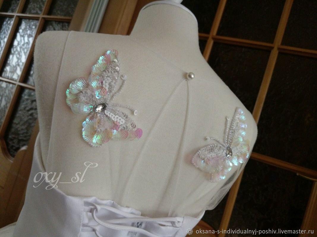 Пышное платье с вышивкой Бабочки, Платье, Каменск-Шахтинский,  Фото №1