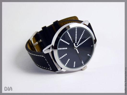 Часы. Наручные Часы. Оригинальные Дизайнерские Часы Точки На Черном. Студия Дизайнерских Часов.