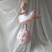Мини фигурки и статуэтки ручной работы. Ярмарка Мастеров - ручная работа Балерина на музыкальном шаре. Handmade.