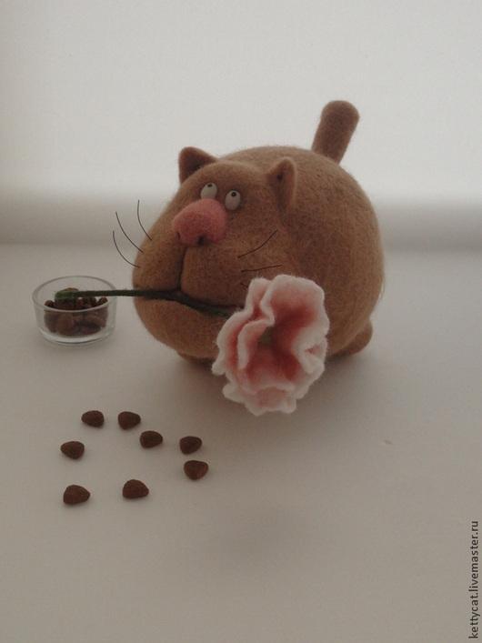 """Игрушки животные, ручной работы. Ярмарка Мастеров - ручная работа. Купить Игрушка Кот из шерсти """"Я Вас лю..."""". Handmade."""