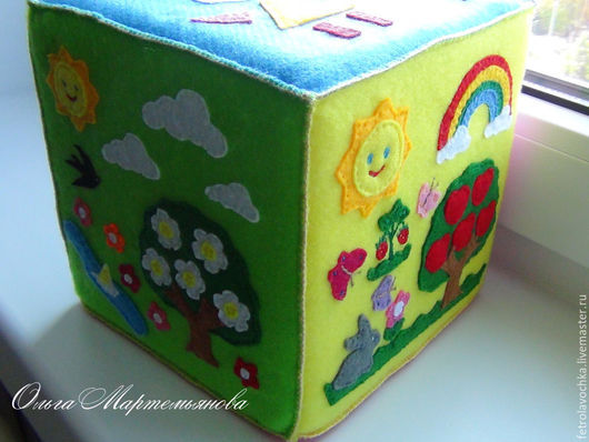 Развивающие игрушки ручной работы. Ярмарка Мастеров - ручная работа. Купить Развивающий кубик «Времена года и геометрические фигуры». Handmade.