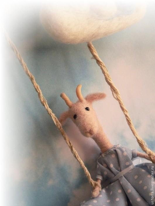 Игрушки животные, ручной работы. Ярмарка Мастеров - ручная работа. Купить Козочка на качелях. Handmade. Голубой, легкость, весна