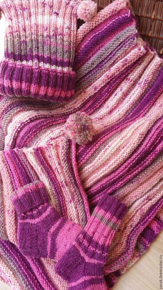 """Пледы и одеяла ручной работы. Ярмарка Мастеров - ручная работа. Купить """"Карамелька"""" прогулочный комплект  спицами пледик+шапочка+носочки. Handmade. Комбинированный"""