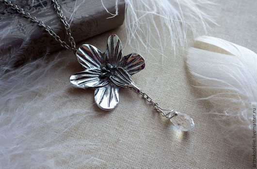 Кулон орхидея