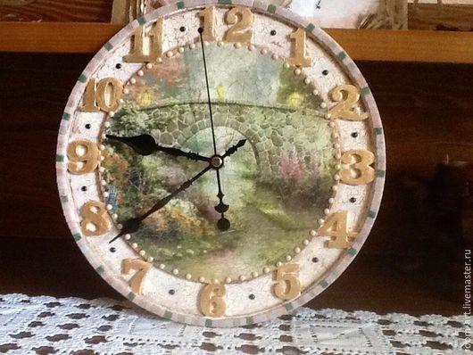 Часы для дома настенные Летний мост.