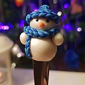 Ложки ручной работы. Ярмарка Мастеров - ручная работа Ложка с снеговичком из полимерной глины. Handmade.