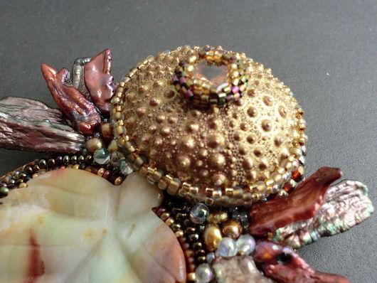 Броши ручной работы. Ярмарка Мастеров - ручная работа. Купить Девушка-Осень. Handmade. Натуральные камни, delica, морской ёж