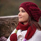 Аксессуары ручной работы. Ярмарка Мастеров - ручная работа Шапка берет вязаная бордовая (красный, белый, коричневый). Handmade.