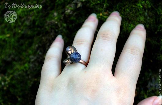 """Кольца ручной работы. Ярмарка Мастеров - ручная работа. Купить Кольцо """"Голубика"""". Handmade. Тёмно-синий, кольцо ручной работы"""