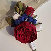 Свадебный салон ручной работы. Ярмарка Мастеров - ручная работа Свадебная бутоньерка для жениха роза полимерная глина. Handmade.