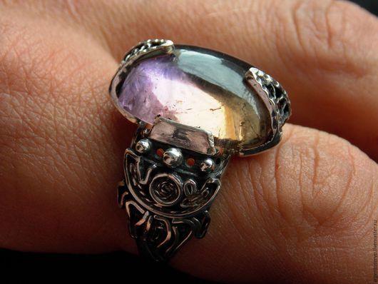 Кольцо `Гармония` в серебре с Аметрином