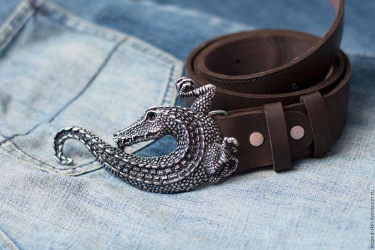 Пояса, ремни ручной работы. Ярмарка Мастеров - ручная работа. Купить Ремень мужской с крокодилом. Handmade. Коричневый, ремень в подарок