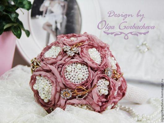 """Свадебные цветы ручной работы. Ярмарка Мастеров - ручная работа. Купить Брошь - букет (букет из брошей и шелка) для невесты """"Розовые пионы"""". Handmade."""