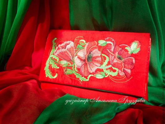 """Женские сумки ручной работы. Ярмарка Мастеров - ручная работа. Купить """"Маков цвет"""" сумочка клатч с вышивкой. Handmade."""