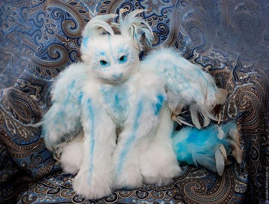 Сказочные персонажи ручной работы. Ярмарка Мастеров - ручная работа. Купить Кошачий грифон. Handmade. Белый, перья, искусственный мех