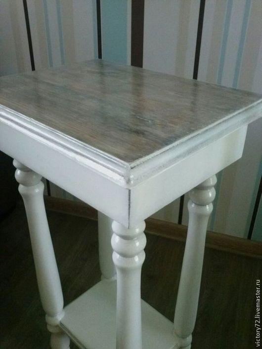 Поверхность столика-иммитация беленого дуба,винтажный эффект
