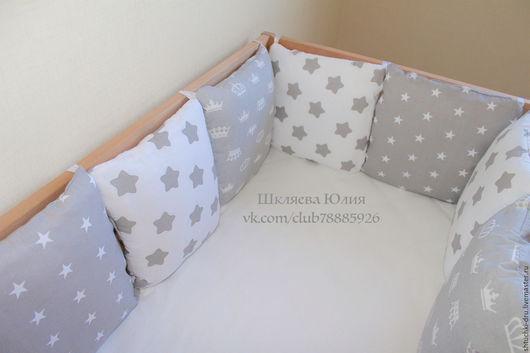 Детская ручной работы. Ярмарка Мастеров - ручная работа. Купить Бортики подушки в детскую кроватку и лоскутное одеяло. Handmade. короны