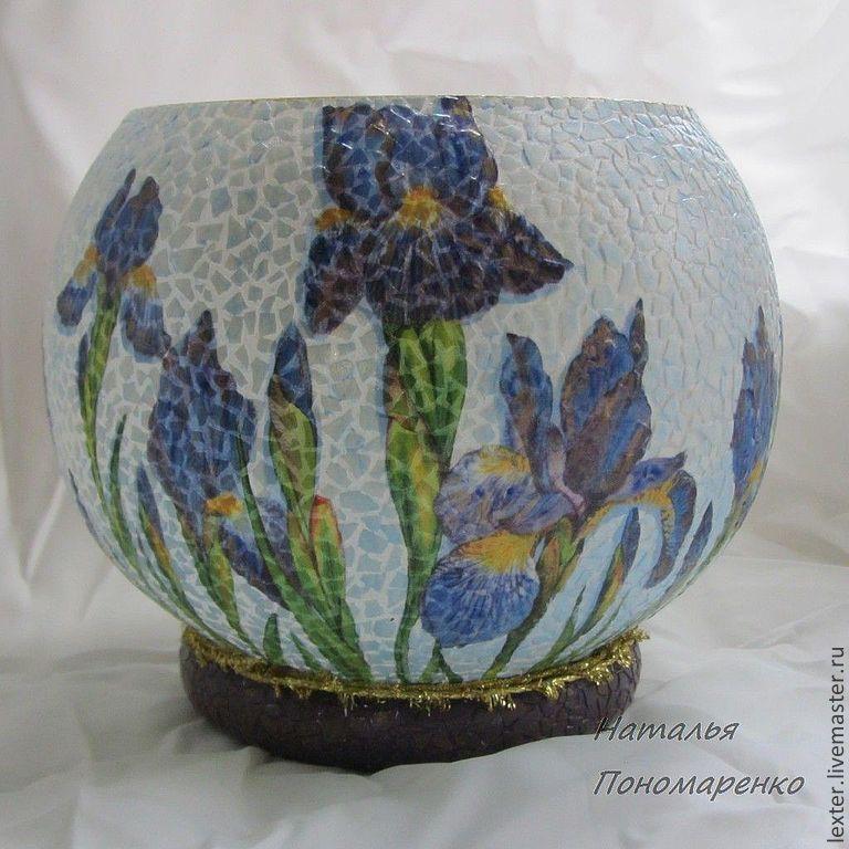 Вазы ручной работы. Стеклянная ваза  Ирисы