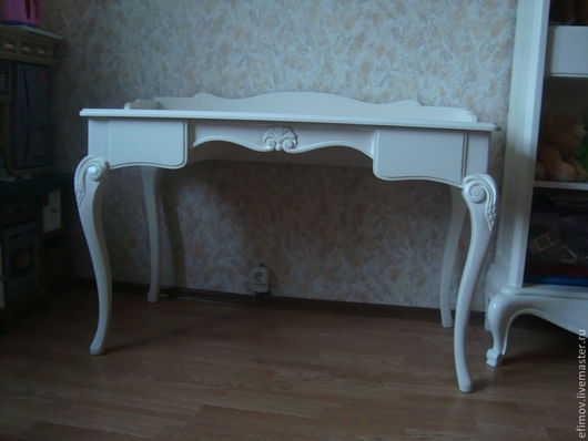 Мебель ручной работы. Ярмарка Мастеров - ручная работа. Купить Письменный стол Алина. Handmade. Белый, мебель на заказ, липа