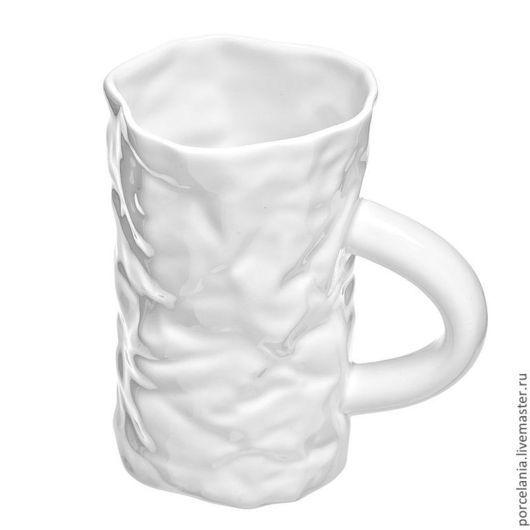 Кружки и чашки ручной работы. Ярмарка Мастеров - ручная работа. Купить Мятая чашка Kiss. Handmade. Белый, мятый фарфор