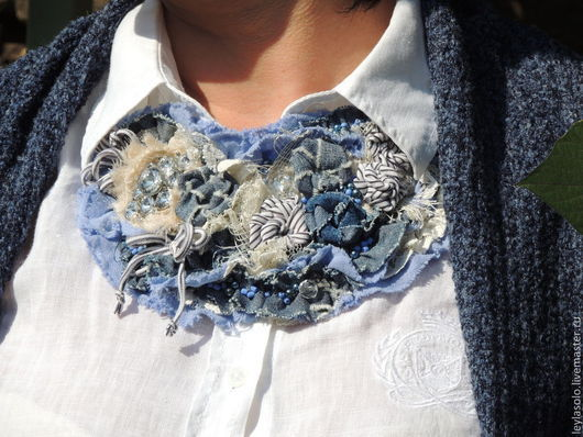 Колье, бусы ручной работы. Ярмарка Мастеров - ручная работа. Купить Колье  джинс Синее море текстильное. Handmade. Голубой