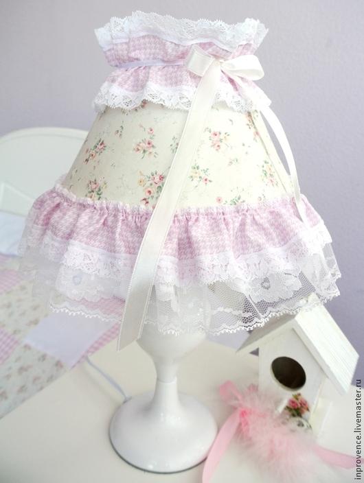Лампа настольная кружевная,розовая,в детскую стиль Шебби Шик. Лампа с розочками. Настольная лампа для маленькой принцессы