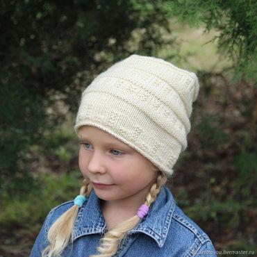 Работы для детей, ручной работы. Ярмарка Мастеров - ручная работа Вязаная осенняя шапочка ручной работы спицами. Handmade.