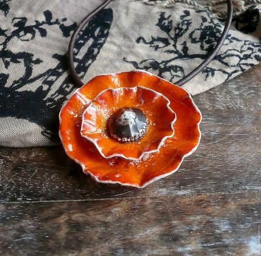 """Кулоны, подвески ручной работы. Ярмарка Мастеров - ручная работа. Купить """"Оранжевый мак"""", подвеска, керамика ручной работы. Handmade."""