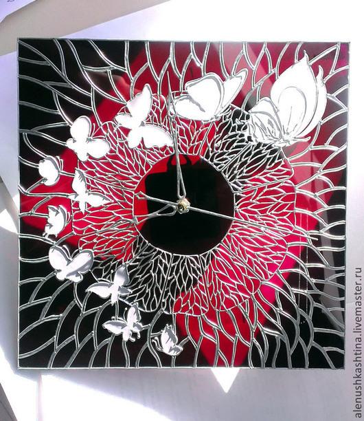 """Часы для дома ручной работы. Ярмарка Мастеров - ручная работа. Купить Часы настенные """"Эффект бабочки"""". Handmade. Бордовый"""