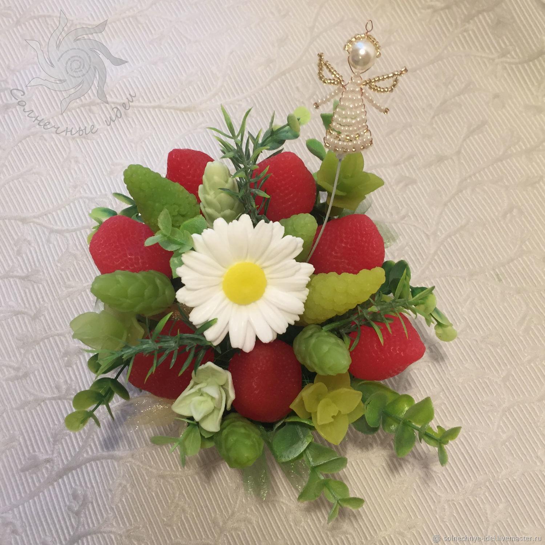 """Букет цветов и ягод из мыла  """"Клубничная поляна"""", Мыло, Москва,  Фото №1"""