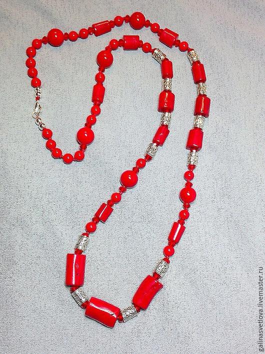 """Колье, бусы ручной работы. Ярмарка Мастеров - ручная работа. Купить Бусы """"Красный коралл, цилиндр"""". Handmade. Ярко-красный"""