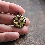 """Винтаж ручной работы. Ярмарка Мастеров - ручная работа Винтажный медальон """"Солнечный крест"""", латунь, стекло. Handmade."""