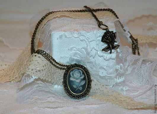 """Часы ручной работы. Ярмарка Мастеров - ручная работа. Купить Часы-кулон """"Камея-роза"""". Handmade. Часы, часы-подвеска"""
