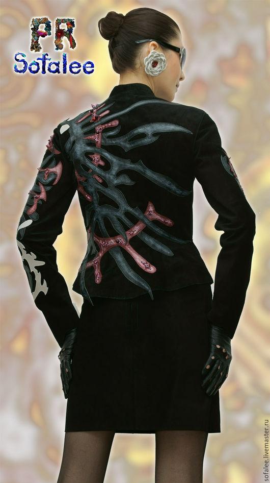 Верхняя одежда ручной работы. Ярмарка Мастеров - ручная работа. Купить Женская кожаная куртка замша с кожаными аппликациями, вышивка.. Handmade.